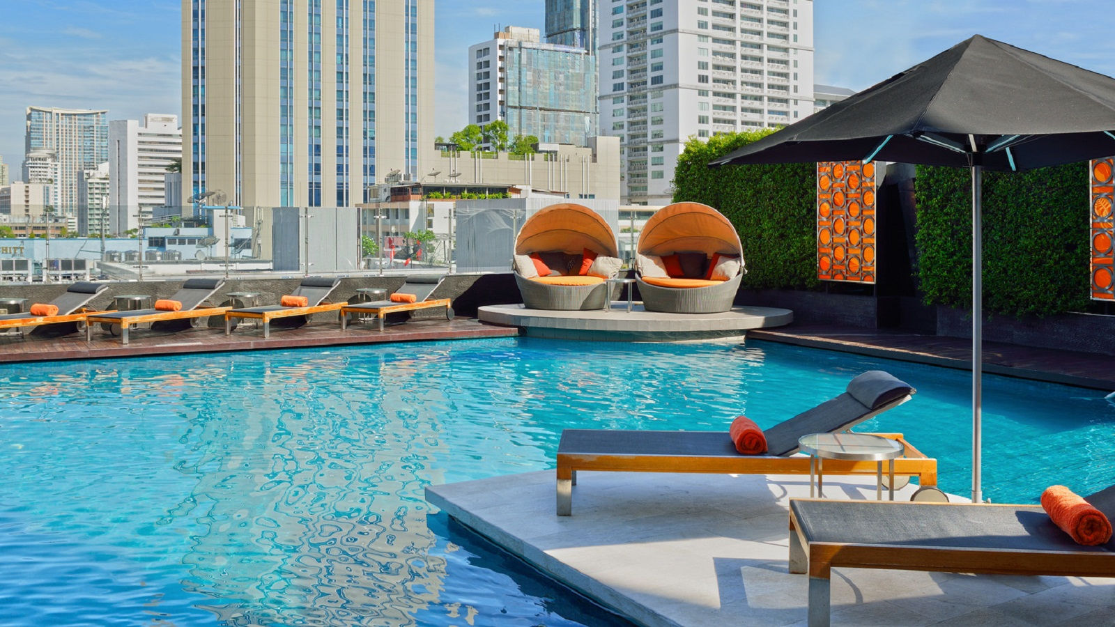5 Star Hotel Sukhumvit Outdoor Pool At The Westin Grande